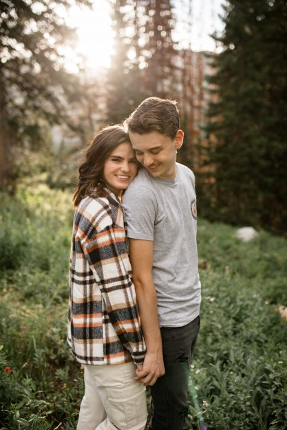 Utah Engaged couple in cozy style