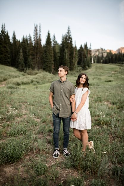 Utah Engaged couple hiking in the mountains